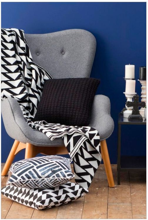 The Hall Chair Pattern Throw Typo Review